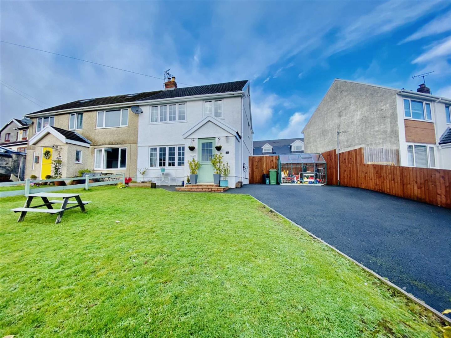Priors Way, Dunvant, Swansea, SA2 7UJ